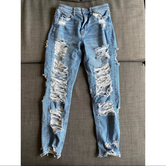 American Eagle Ripped Mom Jeans- Size 4